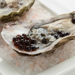 Balsamic pearls and oyster
